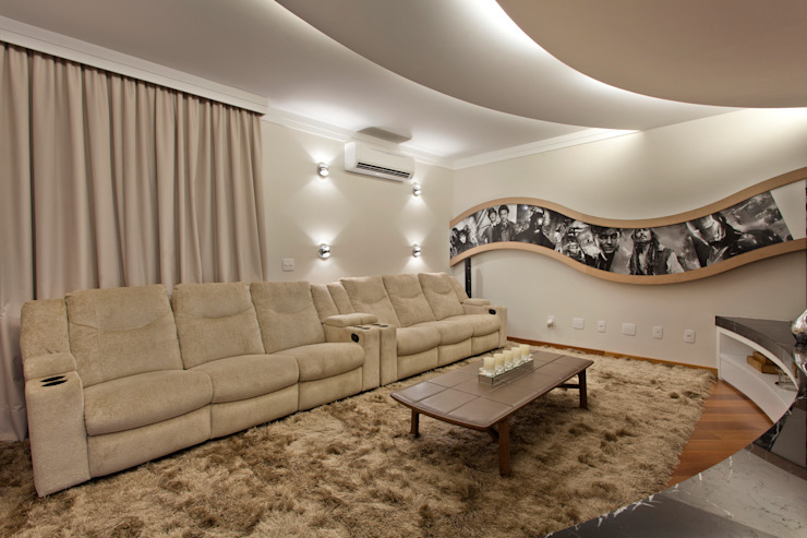 Casa Buriti Salas multimídia modernas por Arquiteto Aquiles Nícolas Kílaris Moderno