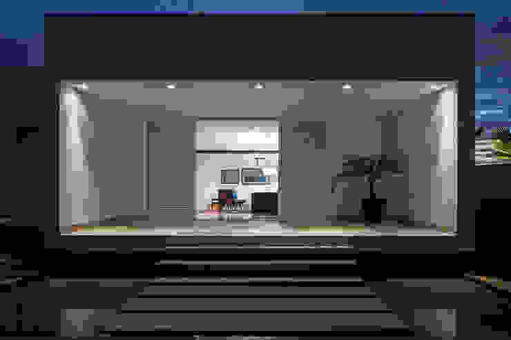 TB House Casas minimalistas por Aguirre Arquitetura Minimalista
