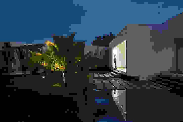 Minimalistyczne domy od Aguirre Arquitetura Minimalistyczny