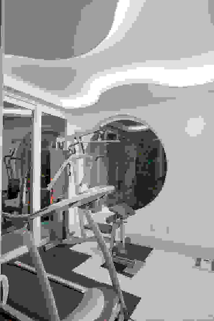 Arquiteto Aquiles Nícolas Kílaris Moderner Fitnessraum