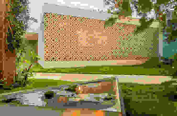 Modern houses by TACO Taller de Arquitectura Contextual Modern