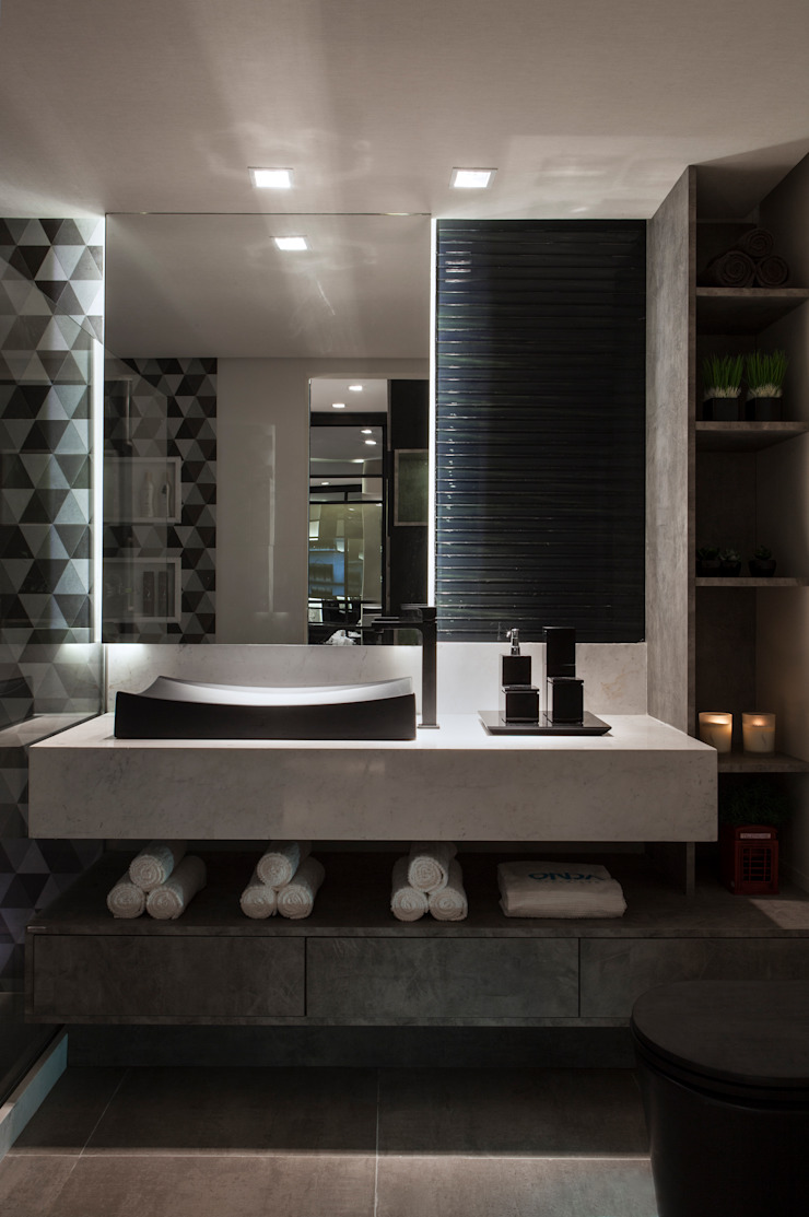 Lavabos e Banheiros Banheiros minimalistas por Celia Beatriz Arquitetura Minimalista