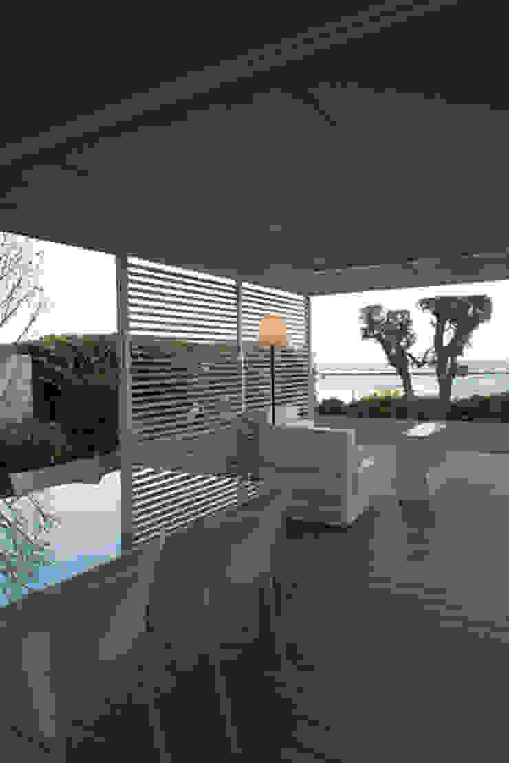 Modern Terrace by ETNA STUDIO Modern Limestone