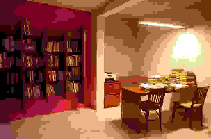 Pabellón 3e: Estudios y oficinas de estilo  por TACO Taller de Arquitectura Contextual, Moderno