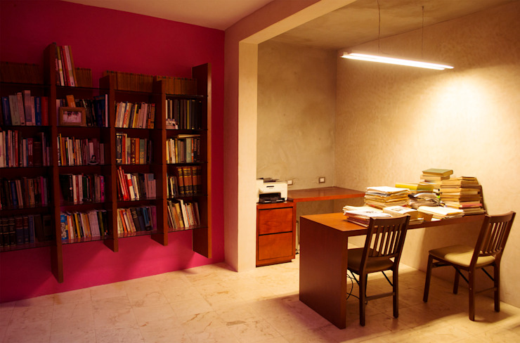Modern study/office by TACO Taller de Arquitectura Contextual Modern