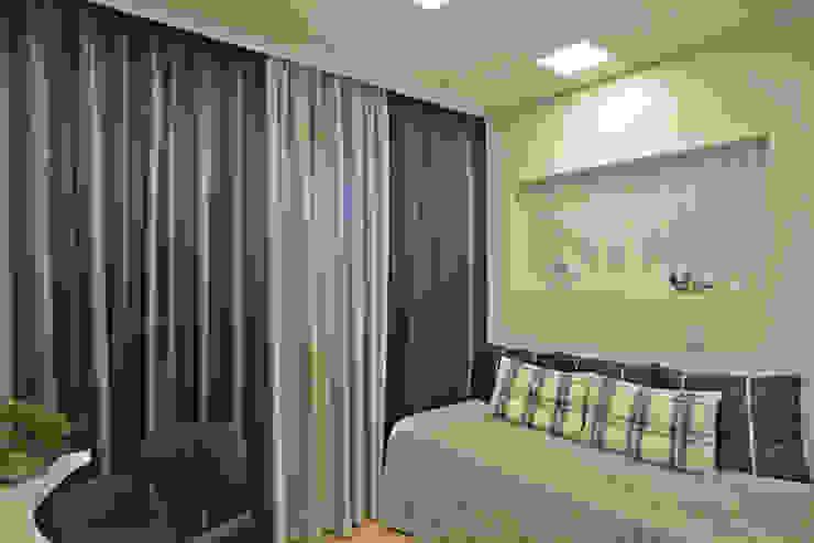 Quartos modernos por Designer de Interiores e Paisagista Iara Kílaris Moderno