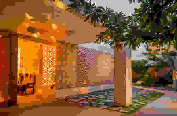 Maisons de style  par TACO Taller de Arquitectura Contextual,