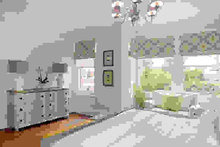 Family Home Ruth Noble Interiors Camera da letto moderna