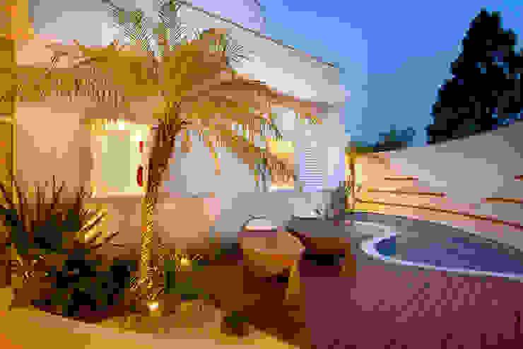 Modern style gardens by Designer de Interiores e Paisagista Iara Kílaris Modern