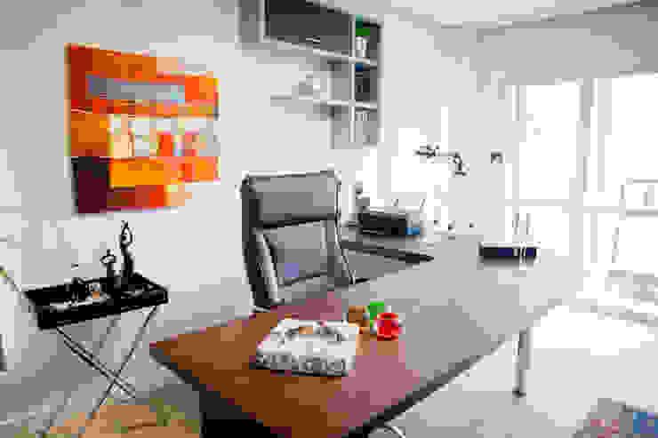 Home Office Escritórios modernos por INOVA Arquitetura Moderno
