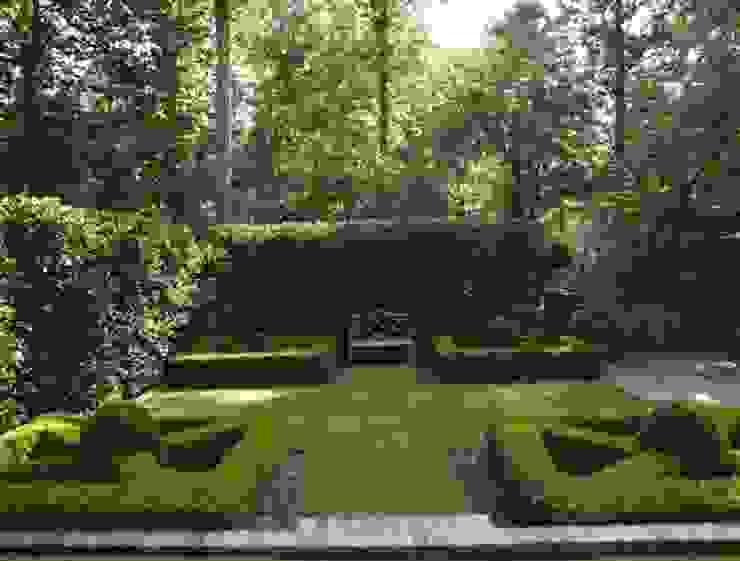 Сад в колониальном стиле от homify Колониальный