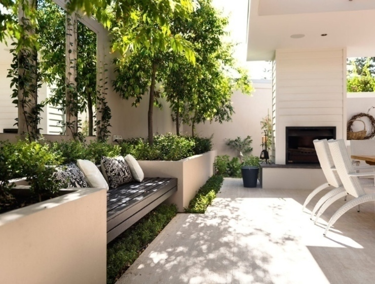 Balkon, Beranda & Teras Modern Oleh Paul Marie Creation Garden Design & Swimmingpools Modern