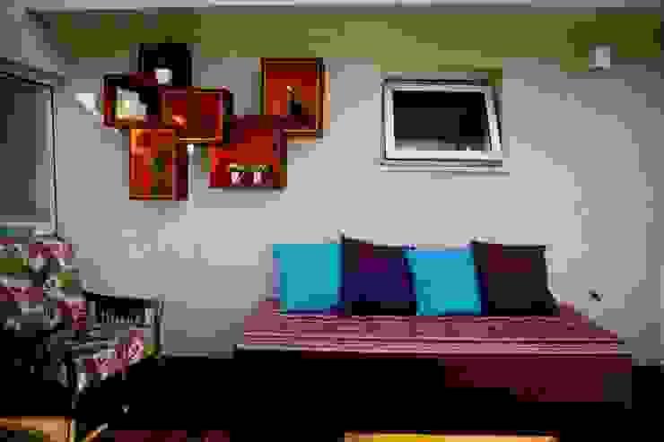 Varanda colorida Varandas, alpendres e terraços rústicos por INOVA Arquitetura Rústico