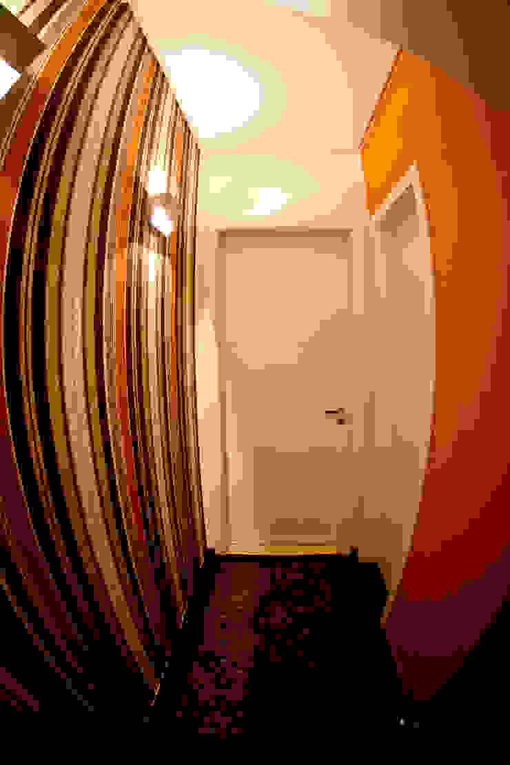Corredor estar íntimo Corredores, halls e escadas modernos por INOVA Arquitetura Moderno