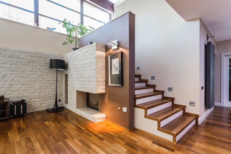 Pasillos, vestíbulos y escaleras de estilo moderno de Michał Młynarczyk Fotograf Wnętrz Moderno