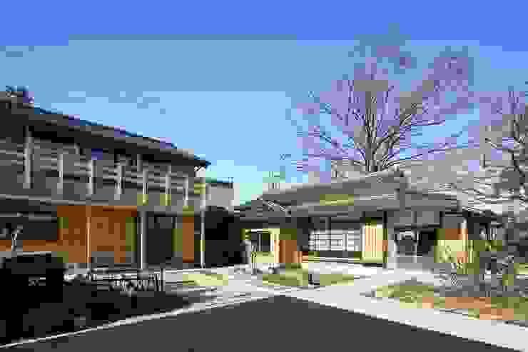 Houses by 木の家設計室 アトリエ椿, Classic Wood Wood effect