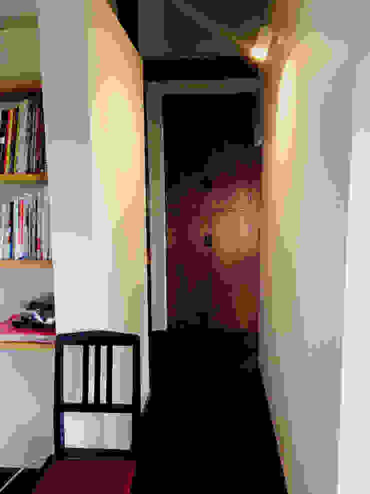嵐山ゲストハウス オリジナルスタイルの 玄関&廊下&階段 の 株式会社ローバー都市建築事務所 オリジナル