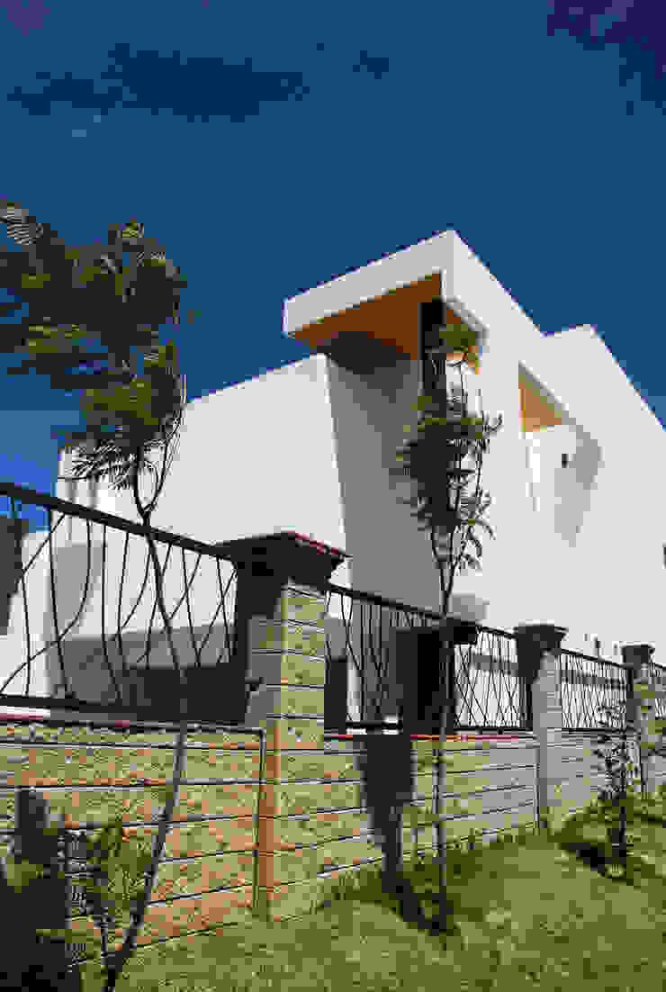 HUARAZ 14 Casas modernas de [TT ARQUITECTOS] Moderno