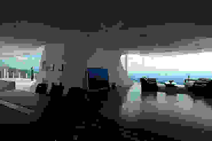 山と開口 モダンデザインの 多目的室 の EASTERN design office イースタン建築設計事務所 モダン