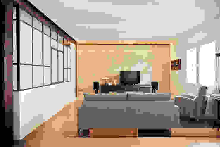 Salón y cocina CM4 Arquitectos Paredes y suelosRevestimientos de paredes y suelos