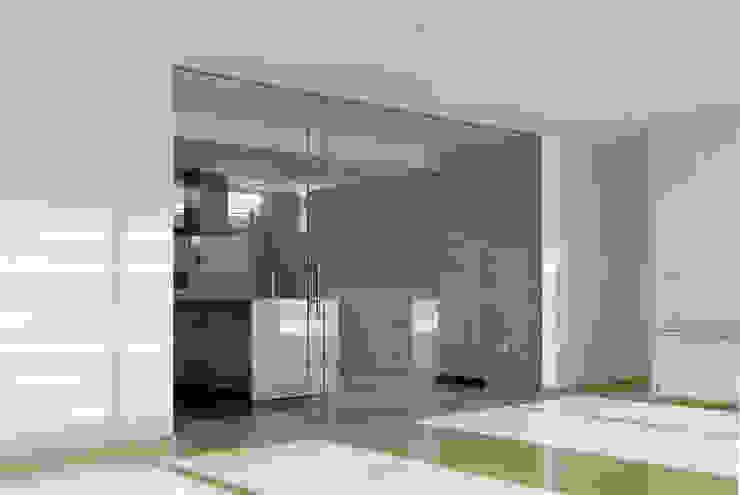 Separación de cocina Cocinas de estilo minimalista de CM4 Arquitectos Minimalista