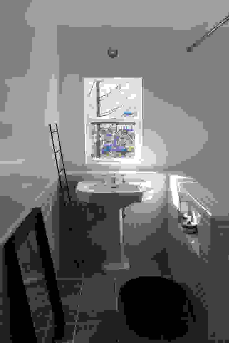 センゴクハラ M邸 モダンスタイルの お風呂 の 有限会社スタジオA建築設計事務所 モダン