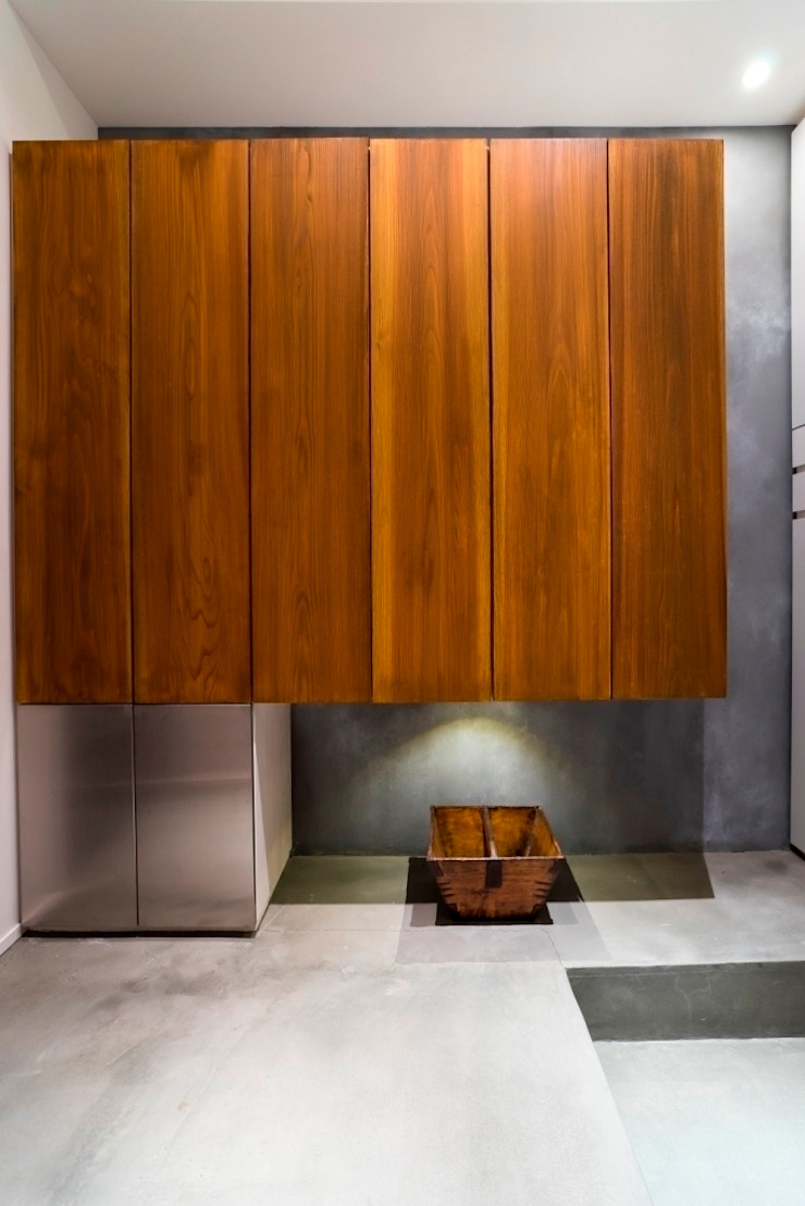 玄関 ラスティックスタイルの 玄関&廊下&階段 の QUALIA ラスティック