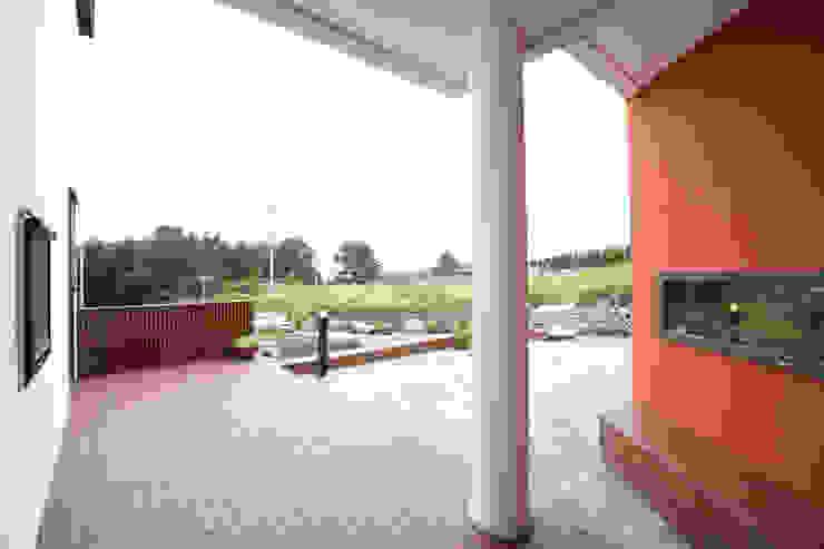 Balkon, Beranda & Teras Modern Oleh 주택설계전문 디자인그룹 홈스타일토토 Modern