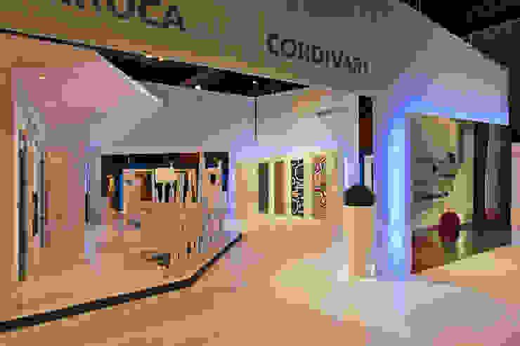 STAND BAXIROCA - CLIMATIZACION Diseño de ferias de estilo minimalista de RIART I ASSOCIATS Minimalista