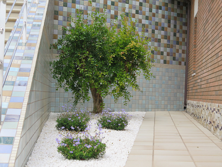 Parterre de Granado Jardines de estilo mediterráneo de LANDSHAFT Mediterráneo