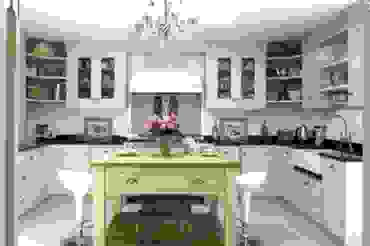 Sion Hill House Luke McHardy & Co Klassieke keukens