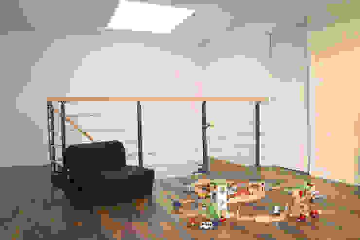 maison bioclimatique Salon moderne par ATELIER ARTEFAKT Moderne