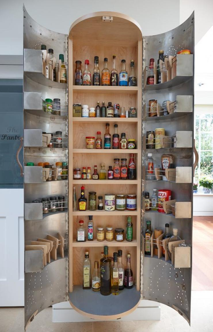 The Cupboard Johnny Grey ห้องครัวตู้เก็บของและชั้นวางของ