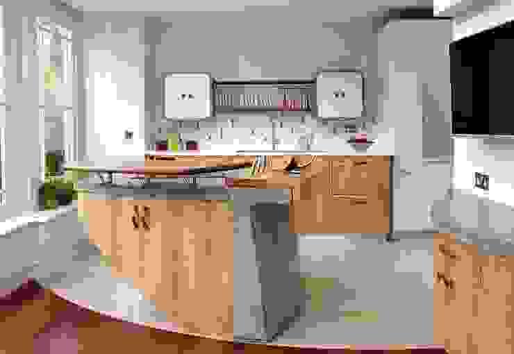 Richmond – A Kitchen in Three Movements Johnny Grey ห้องครัว