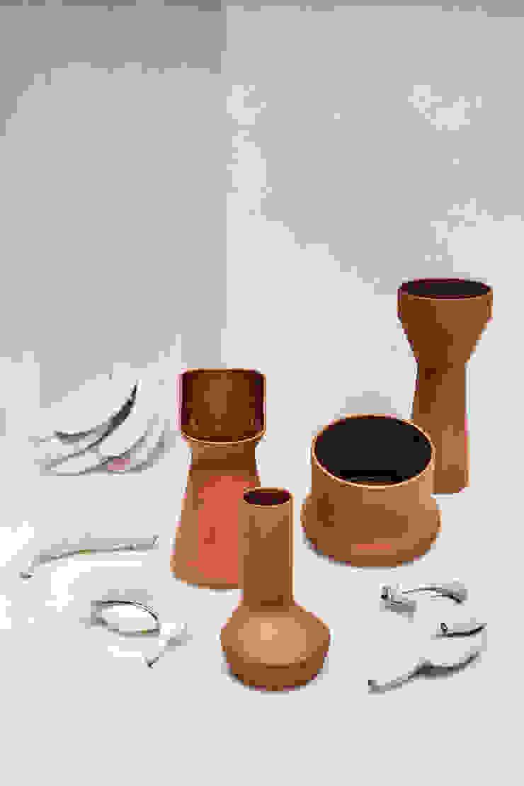 Benjamin Hubert's Pots de Marta del Valle Minimalista