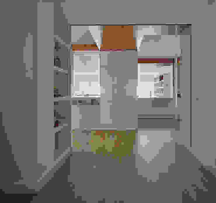 Accesos Dormitorios de estilo moderno de CM4 Arquitectos Moderno