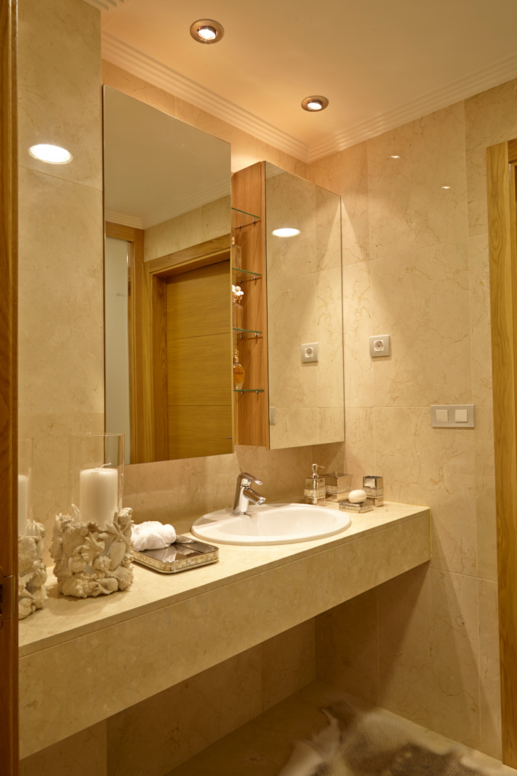 VILCAR Baños de estilo clásico de Maria Bonet Clásico