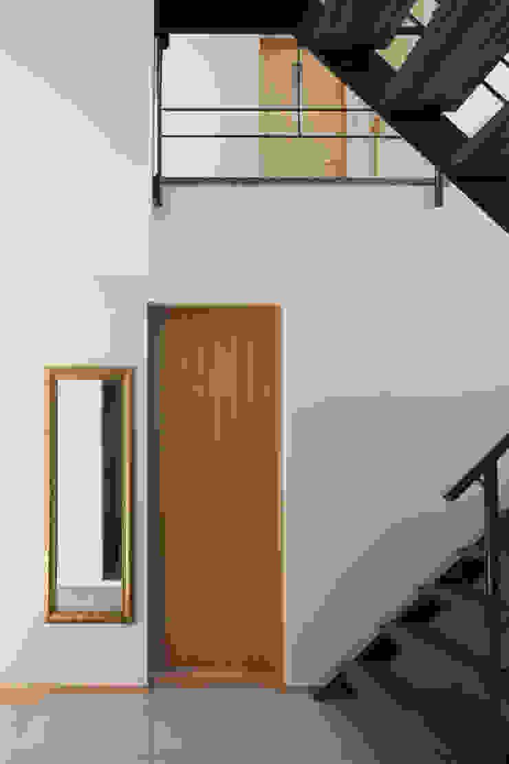 玄関ホール モダンスタイルの 玄関&廊下&階段 の アトリエ・ブリコラージュ一級建築士事務所 モダン