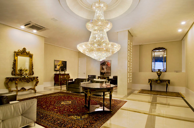 Edifício Victor Hugo Corredores, halls e escadas clássicos por Canisio Beeck Arquiteto Clássico