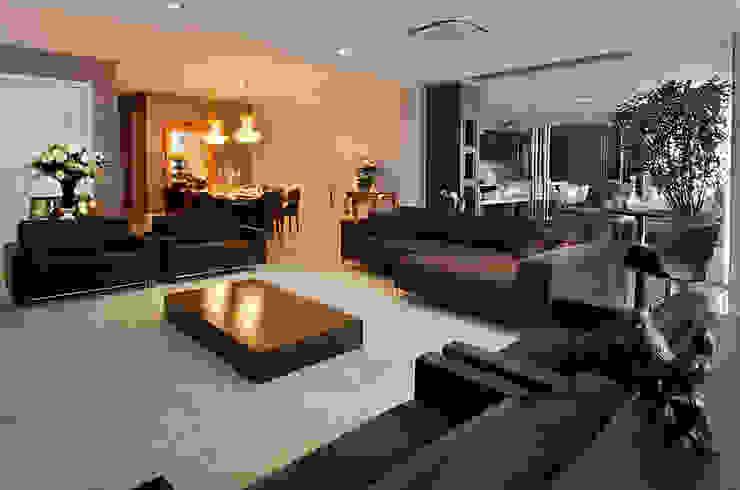 A31 Residência Salas de estar ecléticas por Canisio Beeck Arquiteto Eclético