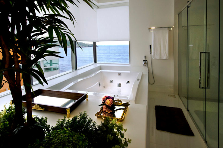 Baños modernos de Canisio Beeck Arquiteto Moderno