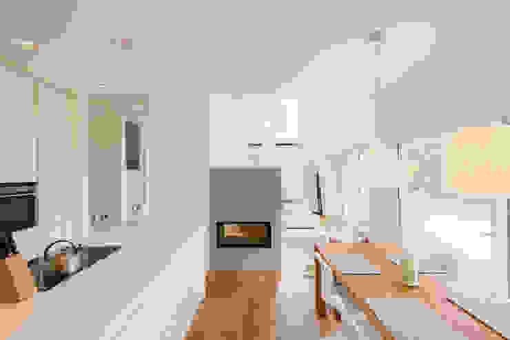 Haus STS Moderne Küchen von Ferreira | Verfürth Architekten Modern
