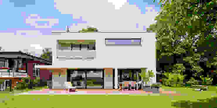 現代房屋設計點子、靈感 & 圖片 根據 Ferreira | Verfürth Architekten 現代風
