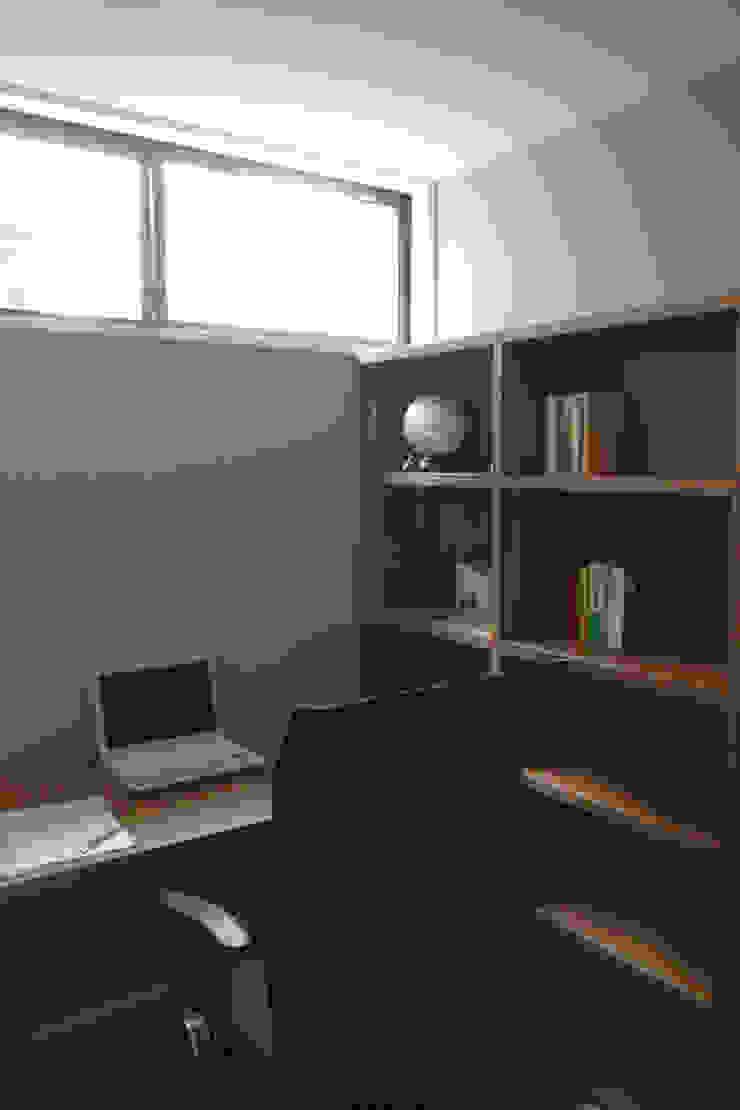 岡本の家 北欧デザインの 書斎 の アトリエ・ブリコラージュ一級建築士事務所 北欧