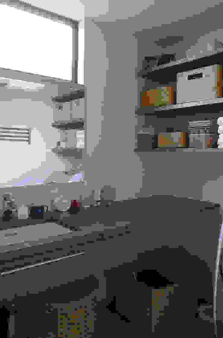 岡本の家 和風の お風呂 の アトリエ・ブリコラージュ一級建築士事務所 和風