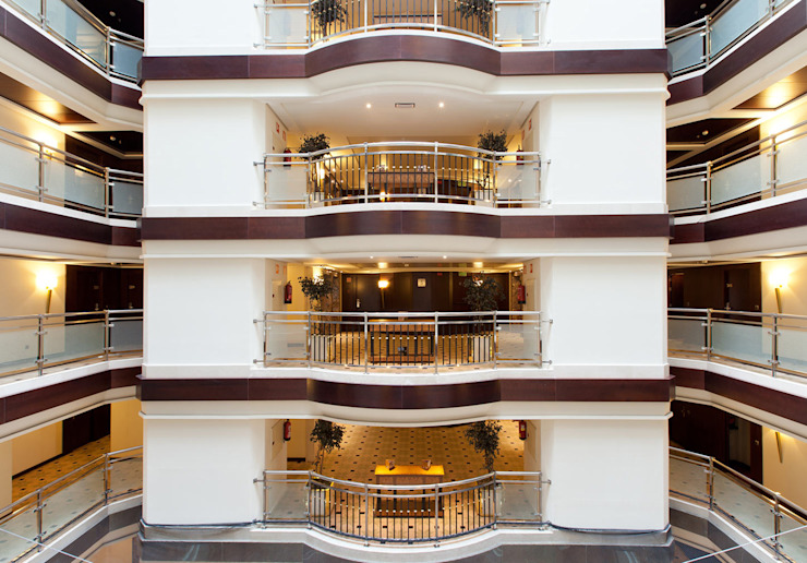Hotel Sevilla Center **** Hoteles de estilo moderno de Estudio de arquitectura Jesús del Valle Moderno
