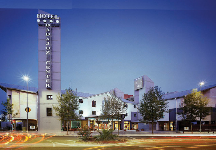 Hotel Badajoz Center **** Hoteles de estilo moderno de Estudio de arquitectura Jesús del Valle Moderno