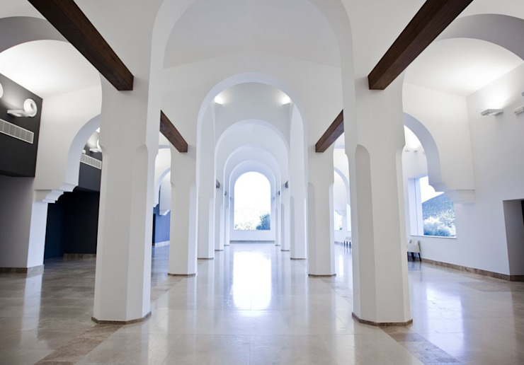 Bodega Señorío de Nevada Salones de eventos de estilo ecléctico de Estudio de arquitectura Jesús del Valle Ecléctico