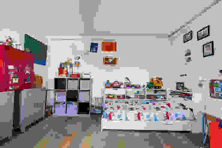 Levallois 110m2 Chambre d'enfant moderne par blackStones Moderne