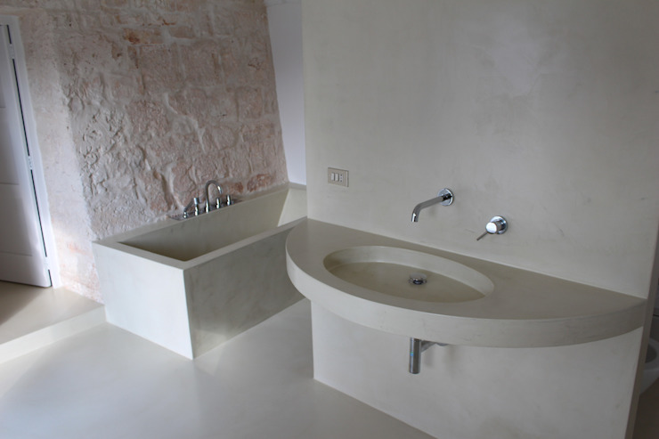 Baños de estilo moderno de Antonio D'aprile Architetto Moderno